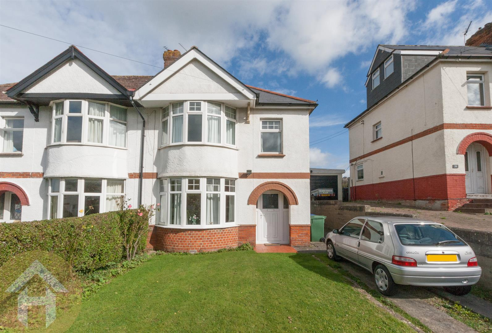 3 Bedrooms Semi Detached House for sale in Brynards Hill, Royal Wootton Bassett